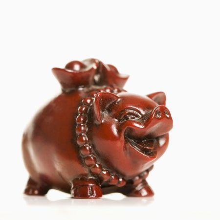 chinese pig: Cerdo chino figura en el fondo blanco.