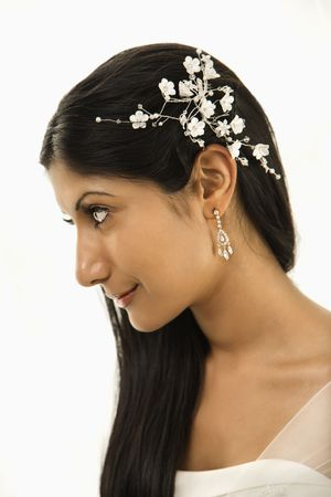 hairpiece: Portrait of an Indian bride.