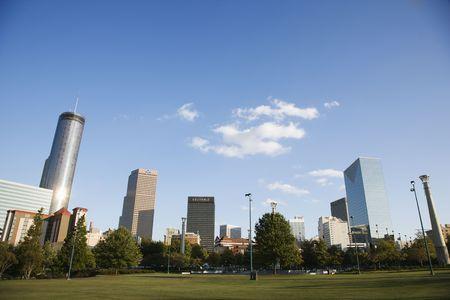 centennial: Skyline dietro Centennial Olympic Park, nel centro di Atlanta, Georgia.  Archivio Fotografico