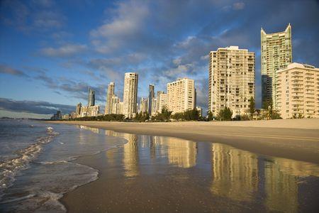 surfers paradise: Beachfront high rise buildings on Surfers Paradise, Australia.
