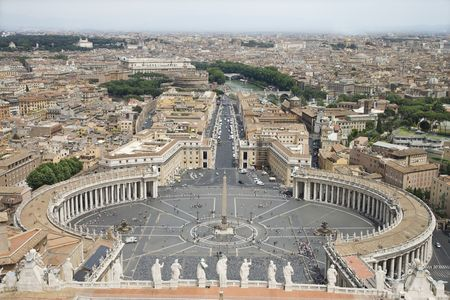 st  peter's square: High angle view of St Peters Square with skyline of Vatican City in the background. Horizontal shot.
