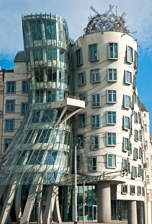 the dancing house: La arquitectura moderna Casa Danzante en Praga Rep�blica Checa Editorial