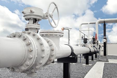 파이프 라인 밸브가있는 천연 가스 처리 공장 스톡 콘텐츠 - 66255721