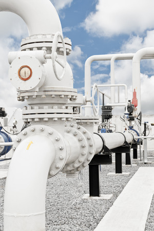 Natural gas processing plant with pipe line valves