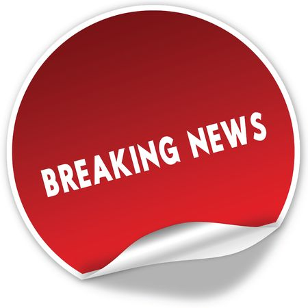 BREAKING NEWS text on realistic red sticker on white background. Illustration Foto de archivo