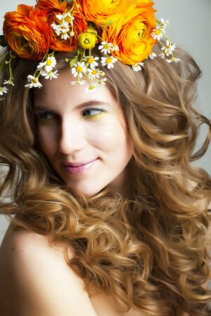 Beauty young woman with flowers and make up close up, real spring beauty happy smiling Imagens - 132028257