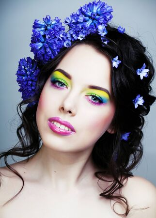 Beauty young woman with flowers and make up close up, real spring beauty girl floral Imagens - 132028283