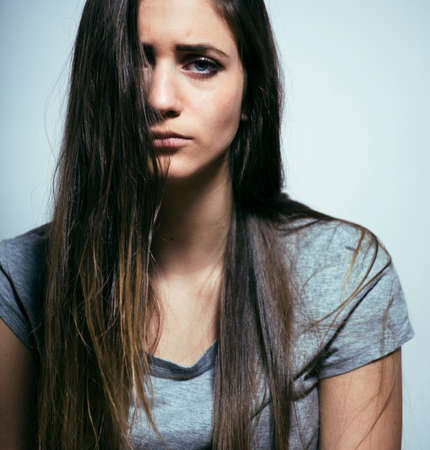 problem depressed teenage with messed hair and sad face Zdjęcie Seryjne