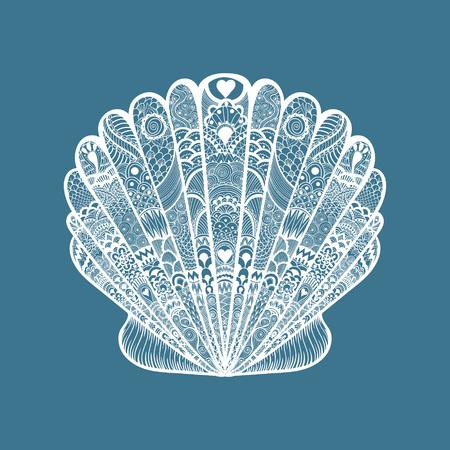 Zentangle 흰색 바다 조개를 양식에 일치시키는. 손으로 그린 낙서 벡터 일러스트 레이 션 파란색 배경에 고립. 문신 또는 makhenda에 대한 스케치합니