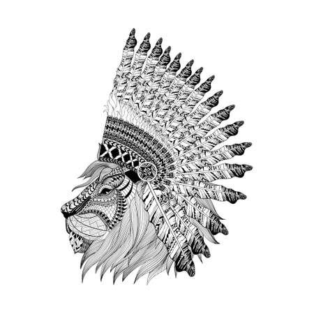 guerrero: cara del león en Bannet guerra con plumas en el estilo del zentangle, Tocado para el jefe indio. espíritu boho americano. Dibujado a mano ilustración vectorial boceto para tatuajes.