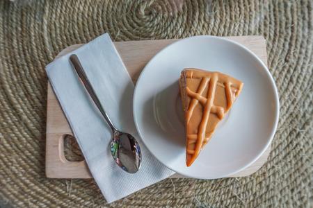 vanilla cake: Vanilla cake on wooden