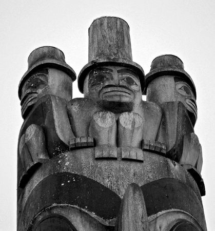 totem indiano: A nord-ovest indiano totem pole  Archivio Fotografico