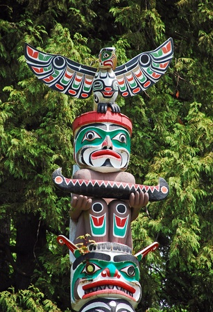 the totem pole: Totem pole in Vancouver, Canada