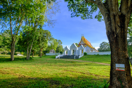 kanchanaburi: Kanchanaburi, Thailand - October 14, 2016: Beautiful of public ancient old white vihara hall buddha in Trirattanaram temple ,Kanchaburi,Thailand.Photo taken on: October 14, 2016 Stock Photo
