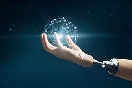 Abstracte wetenschap, cirkel wereldwijde business netwerkverbinding in robot hand op de sterren 's nachts achtergrond Stockfoto