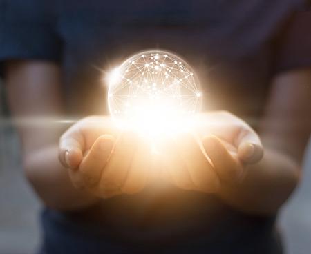 추상 과학, 어두운 배경에 손에 서클 글로벌 네트워크 연결 스톡 콘텐츠
