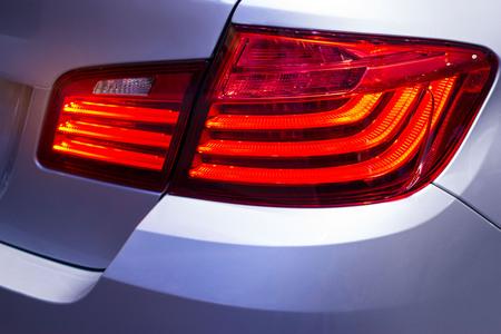 都市の車の背面ライトの詳細 写真素材