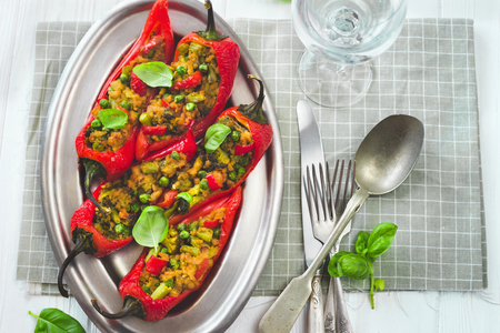 Vegan stuffed pepper with soy meat Imagens