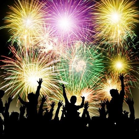 Feuerwerk mit glücklichen Menschen