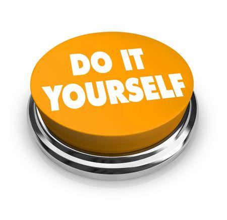 zelf doen: Een oranje knop met de woorden: Do It Yourself op Stockfoto