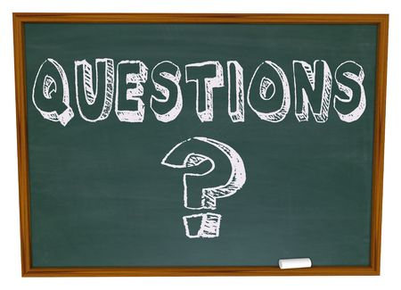 Het woord vragen en het vraag teken symbool op een school bord