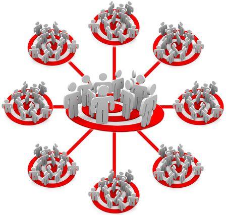 competitividad: Una red que muestra al p�blico de varias personas en una estrategia de marketing orientada