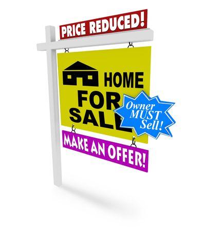 reduced value: A para la se�al de venta con varias marcas adicionales en representaci�n de la desesperaci�n de un vendedor