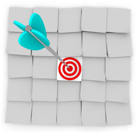 An arrow strikes a target on a unique sticky note, symbolizes targeted marketing Stock Photo - 5398513