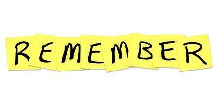 recordar: La palabra Remember escrito sobre notas adhesivas amarillas