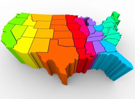 naciones unidas: Un mapa de los Estados Unidos en un arco iris de colores, simbolizando la diversa gama de culturas que conforman la naci�n  Foto de archivo