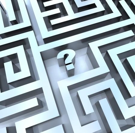 Een vraag teken in het midden van een doolhof, symboliseert de noodzaak om een antwoord te zoeken  Stockfoto - 7383665