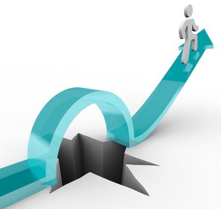 overcoming: Un hombre monta una flecha hacia arriba en un agujero, simbolizando la anulación de un desafío