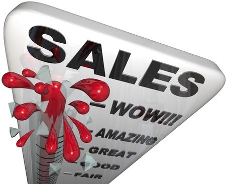 판매 온도계의 수은은 과거의 기대치와 유리를 통한 파열로 상승합니다. 스톡 콘텐츠