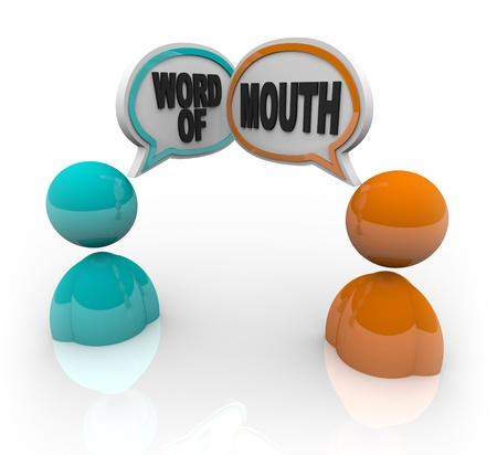 Two people with speech bubbles and the words Word of Mouth, symbolizing the spreading of rumor and gossip Stockfoto