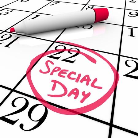 De woorden Special Day zijn omcirkeld op een witte kalender met een rode marker Stockfoto