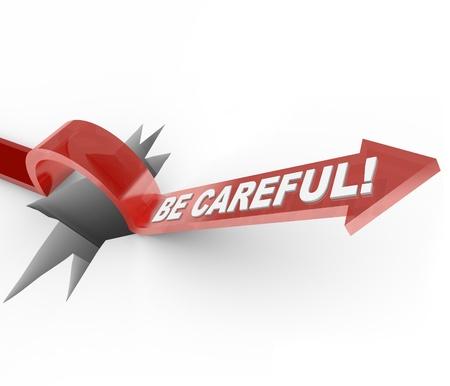 Una flecha marcó saltos ser cuidadoso sobre un agujero, sirve como una advertencia para comunicar la necesidad de ser prudente y cauteloso de peligros y riesgos