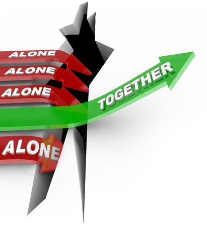 overcoming: El concepto de fuerza en wins números el día como una flecha marcado juntos logra éxito en superar un obstáculo, mientras que muchas otras flechas marcaron Alone caer en un pozo de falla