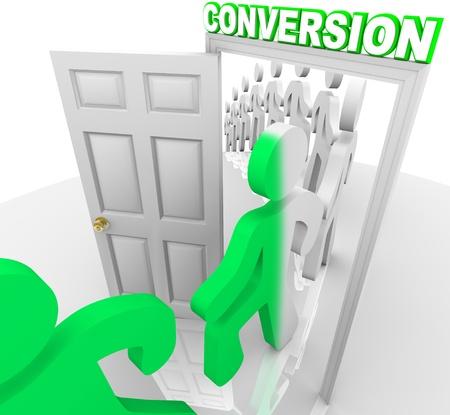 人々 の行変換をマーク戸口をステップし、販売の成功を象徴する、顧客の見通しから変身 写真素材