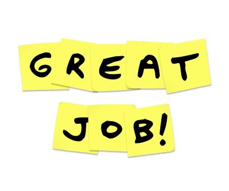 reconocimiento: Las palabras de gran trabajo escrito en notas adhesivas amarillos que representa el elogio y el reconocimiento que recibe por haciendo un buen trabajo Foto de archivo