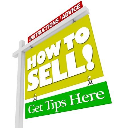 Een huis voor verkoop teken leest informatie  advies - hoe u kunt verkopen - Get Tips hier Stockfoto