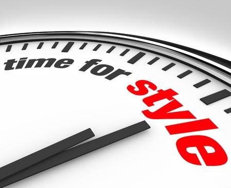 Horloge blanc avec Time mots de rétroaction offre style et des conseils pour s'habiller à la mode et le goût d'améliorer votre apparence et suivre les dernières tendances modernes dans les vêtements et le maquillage Banque d'images - 12583644