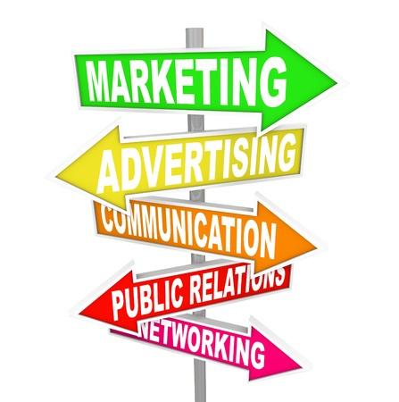 relaciones publicas: Varias señales coloridas calles de dirección de marketing con las palabras tel, Publicidad, Comunicación, Relaciones Públicas y Redes señalando el camino a los métodos de comunicar su mensaje Foto de archivo
