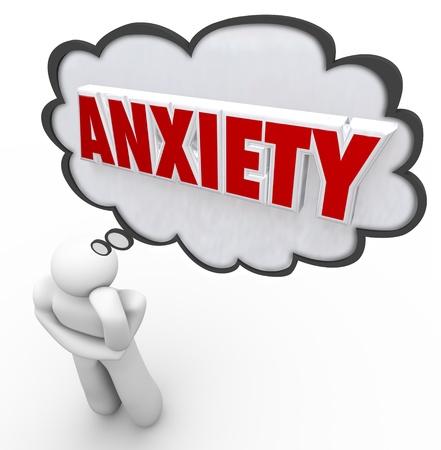preocupacion: Una persona estresada puestos en el pensamiento plantean en el pensamiento o la nube de burbujas con la palabra ansiedad para ilustrar su preocupaci�n, las preocupaciones, el estr�s y otros sentimientos de ansiedad