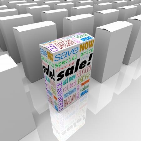 reduced value: Una caja del producto est� a la venta con palabras como ahorro, ahora, el precio especial de descuento, y la limpieza, hacer que se destaque como diferente, �nico y el mejor entre muchos competidores en una tienda