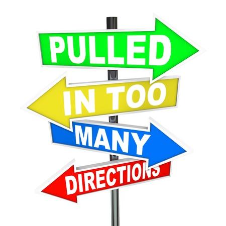 aussi: Les mots tir� dans trop de directions sur les signes symbolisant les sentiments de stress, de l'anxi�t�, de la pression, de la confusion et le sentiment surcharg� de travail Banque d'images
