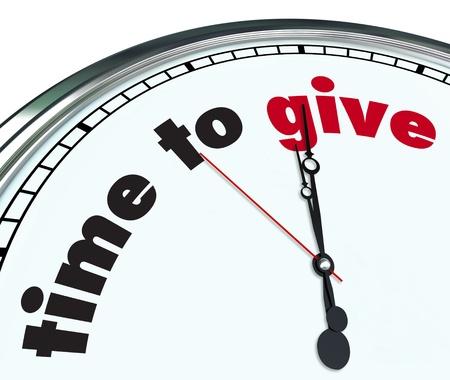 generosit�: Un orologio ornato con le parole di tempo per consegnare il suo volto