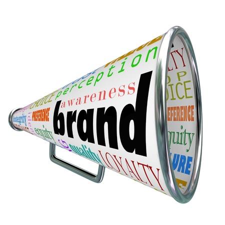 Un megáfono o megáfono anunciando un producto o marca Comapny de construir reputación, identidad, credibilidad y otros elementos de marca Foto de archivo