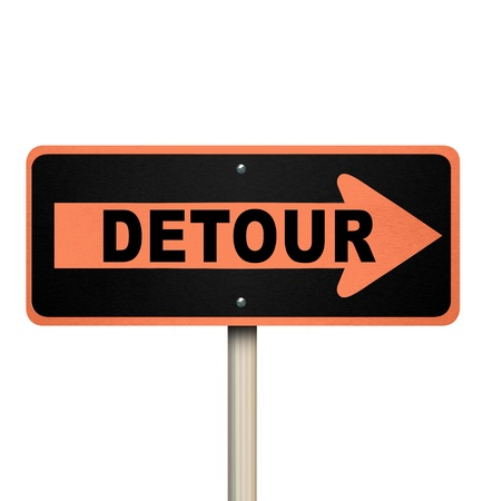 A road sign with the word Detour and arrow pointing lright