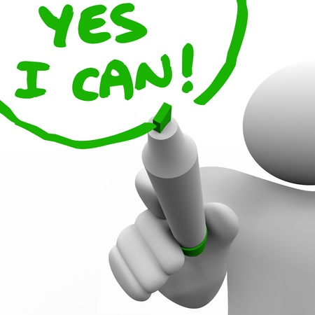 사람은 자신의 긍정적 인 태도, 자신감, 성공 전망과 믿음을 설명하기 위해 녹색 마커로 유리 벽에 예 내가 할 수있는 그립니다 스톡 콘텐츠