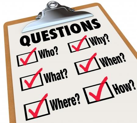 sconosciuto: Un sondaggio di Reserach domande chi, cosa, dove, quando, perch�, come e caselle di controllo e di segni per simboleggiare la ricerca di risposte a misteri importanti Archivio Fotografico